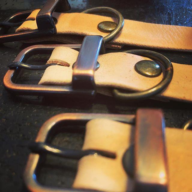 REMAKE SADDLE BAG BELT #remake #leathercraft #tooeys.jp #motoji's leather #harley-davidson #sportster #shovelhead #shovelsports #ironhead #vintage #xlh #xlch #77xlh #xlh1000 ##vintagemotorcycle #ironsports